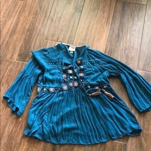Very cute turquoise Knox Rose shirt with tassels